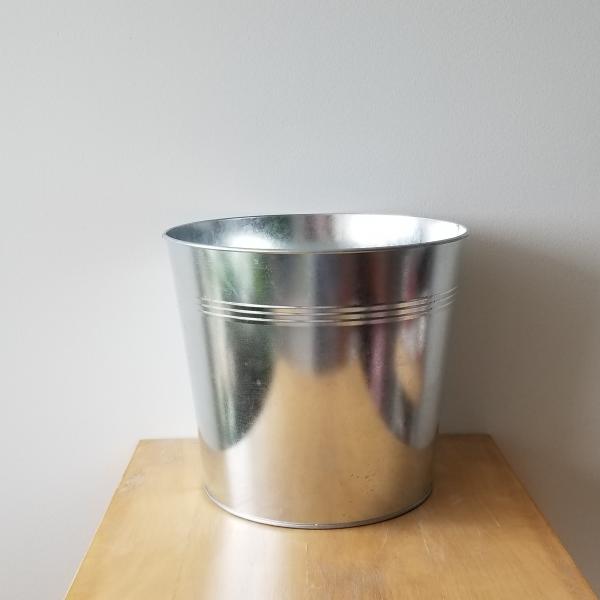 decorative container for indoor plants houseplants tin round 10 inch plant container sale Toronto Mississauga Etobicoke Brampton Burlington Oakville Hamilton GTA assorted colors available silver
