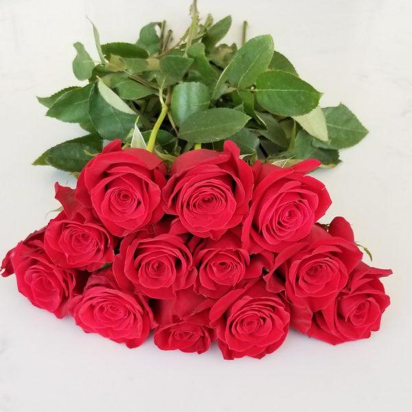 Fresh cut flowers Red Roses Premium Flower bouquet Gifts for loved ones GTA Mississauga Etobicoke Toronto Brampton Oakville Burlington Milton Richmond Hill North York redroses 12 stems